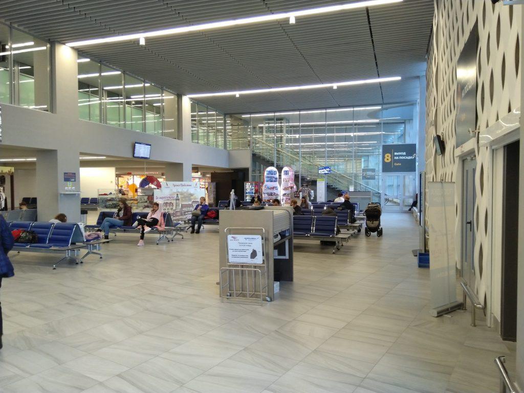 Зал ожидания аэропорта Храброво Калининград
